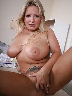 Mom Masturbating Pics